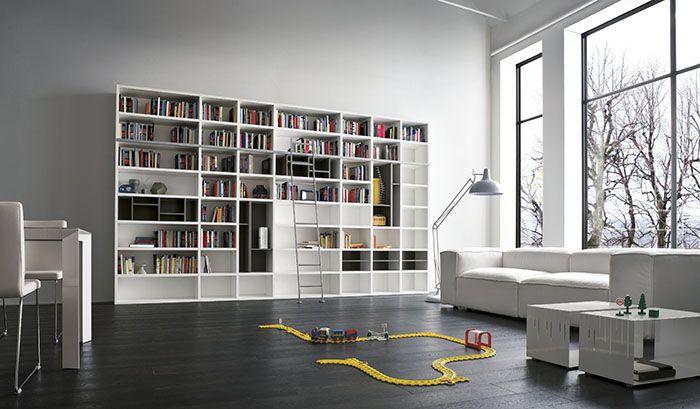 Afbeelding: boekenkast_met_trap