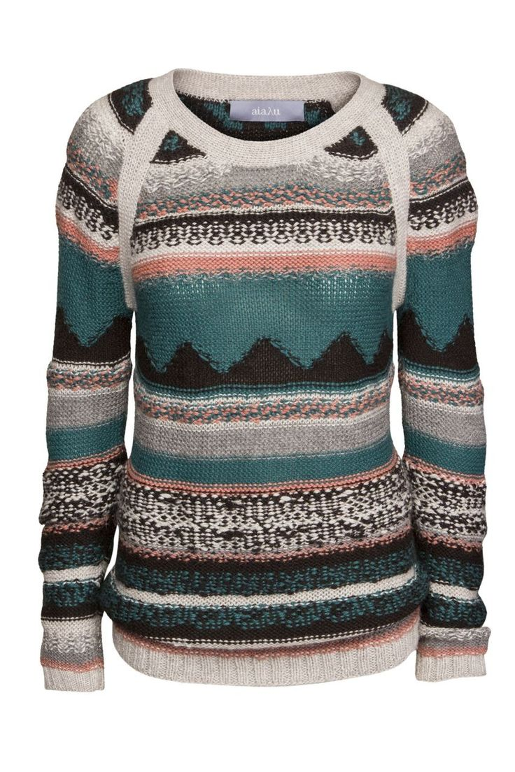 This very soft and warm handknitted sweater by AIAYU is made of the luxurious baby lama wool.