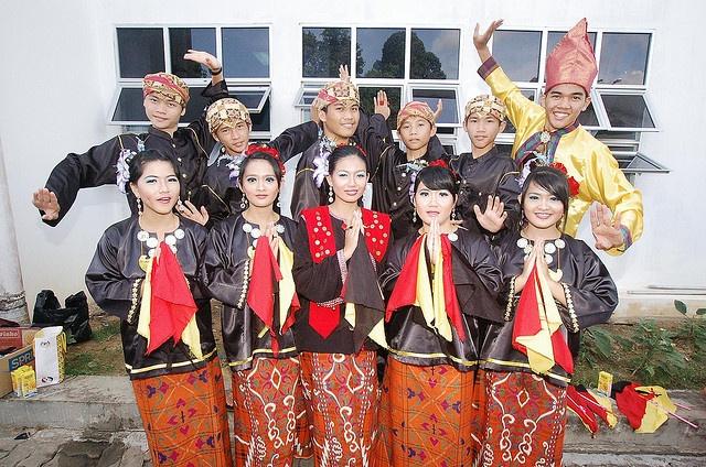 kuching women Address: lot 1610 tingkat 2, jln rock kuching po box 551, 93712 kuching sarawak women for women society (swws) secondary menu-.