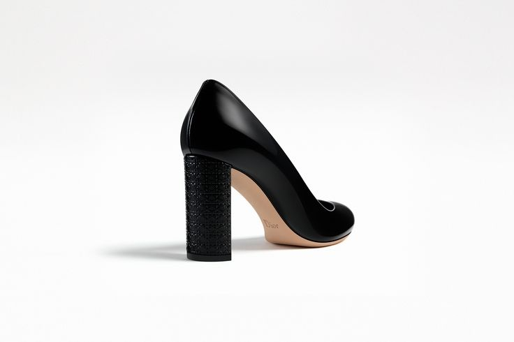 Escarpim em couro de bezerro envernizado preto salto cannage, 8 cm - Sapatos Dior