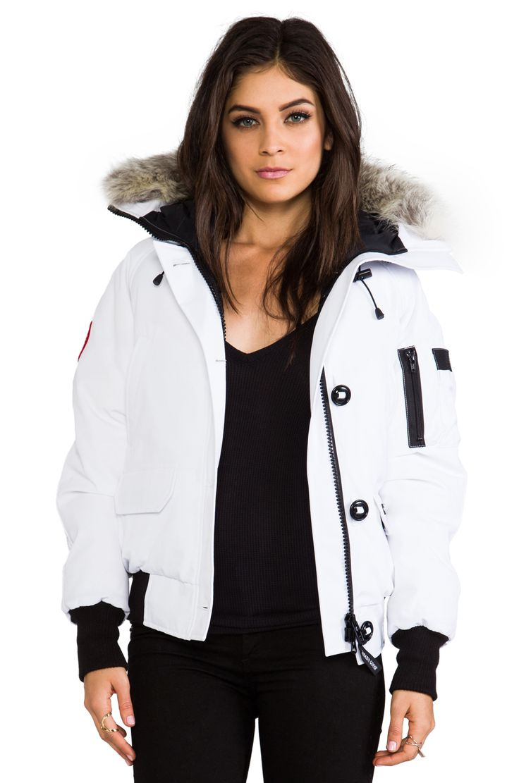 Canada Goose Chilliwack Bomber with Coyote Fur Collar em Branco