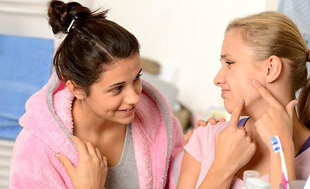 Sechs Tipps gegen schwarze Mitesser