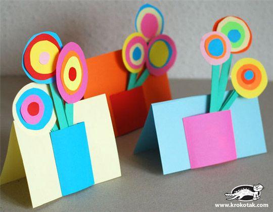 Manualidad sencilla y bonita para que los niños hagan felices a sus madres en ese día tan especial.