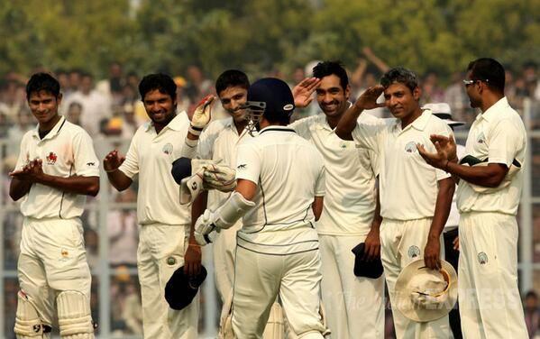 what a moment! Haryana Players Saluting Sachin !!