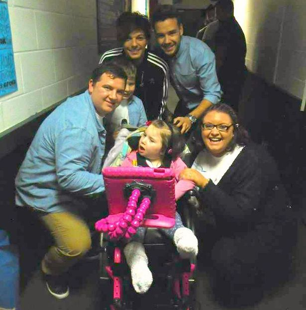 Meeting: The family with One Directions' Louis Tomlinson and Liam Payne>>>> They are the sweetest things ever!!!!❤️❤️❤️❤️