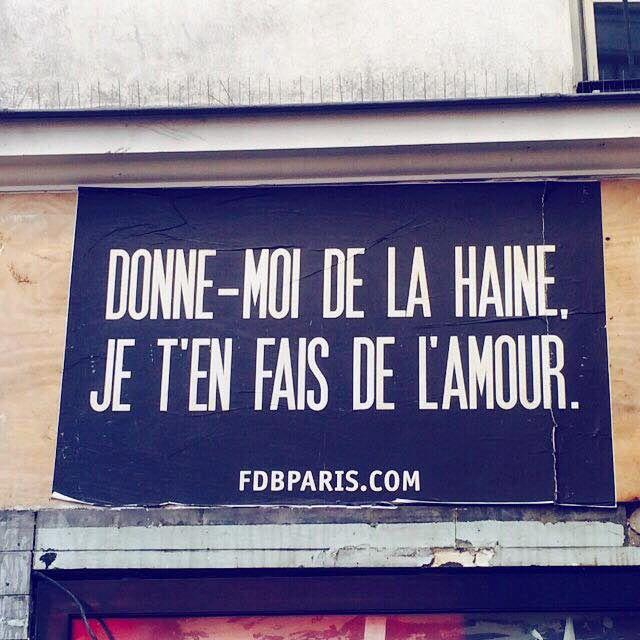 Des mots d'amour sur les murs