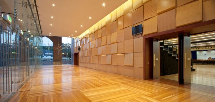 Knox Grammar School - Angled plywood panels have been arranged strategically throughout the hall, helping achieve visual variety and exceptional acoustics.