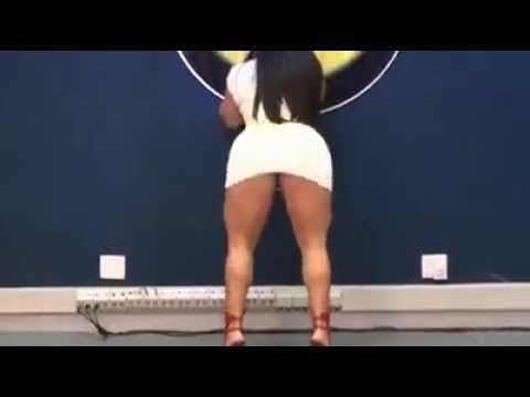 Brazilian Andressa Soares twerking