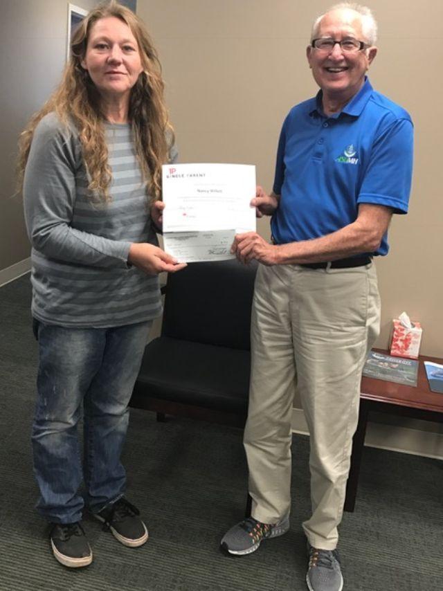 Single Parent Scholarship presented to Willett