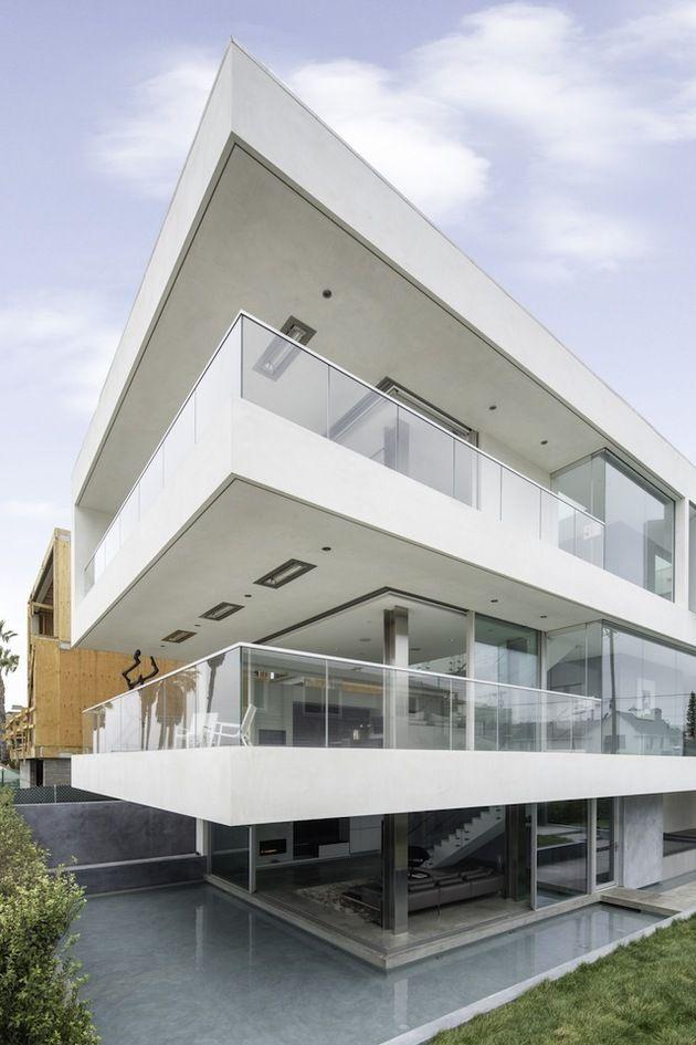 Local Artistsu0027 Ultra Modern Multipurpose California Beach Home