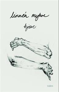 Kjære er en roman om kontroll og tapet av det, det er en roman om å spise på restaurant, om å skrive sitt eget selvmordsbrev, om å tilberede taco, om å få seg kjæreste, om å slippe inn og slippe til, og, til slutt, om å kunne betrakte seg selv med sitt eget blikk.
