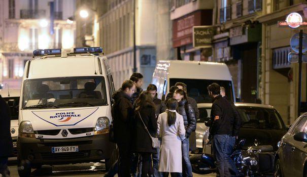 """Cinq à huit malfaiteurs ont tendu dimanche soir un guet-apens au convoi d'un prince saoudien près de la porte de la Chapelle, à Paris. Ils ont dérobé 250 000 euros en cash et """"des documents diplomatiques"""", avant de s'échapper à travers les champs. Le point sur l'enquête."""