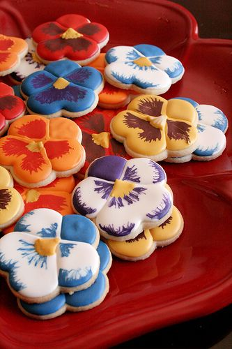 Pansy Cookies - Perfect for Bid Day or Recruitment! | Kappa Alpha Theta #theta1870