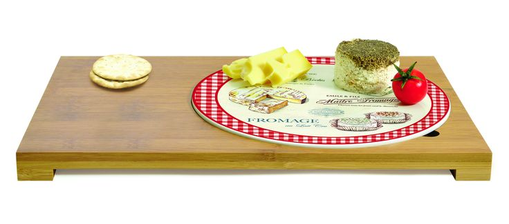 #set: porcelain tray and bamboo board