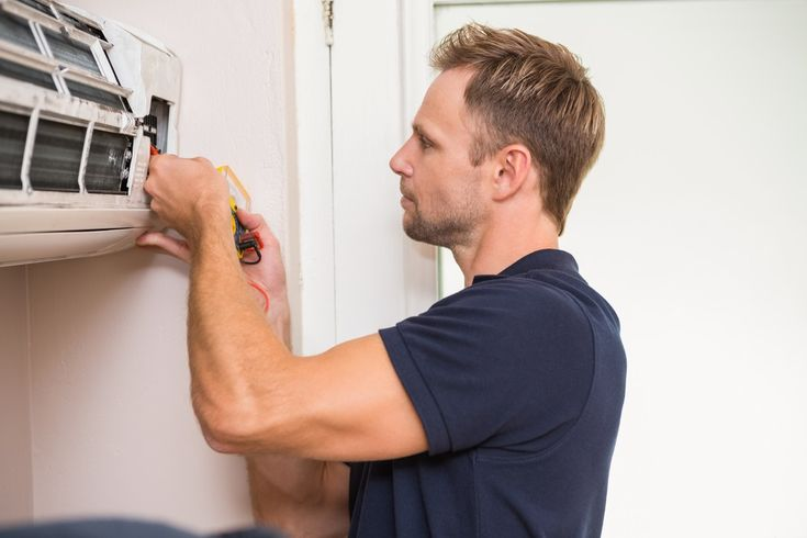 Top 8 Things to Check While Hiring an Air Conditioning Technician