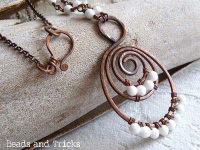 collana in metallo