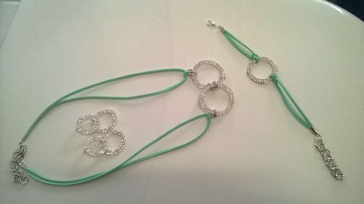 Collana braccialetto e orecchini in strass di svarosky creato da me