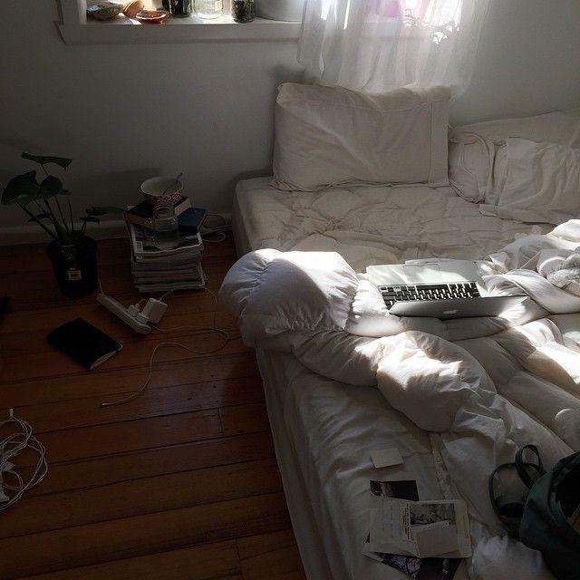 best 25 messy bedroom ideas on pinterest grunge bedroom
