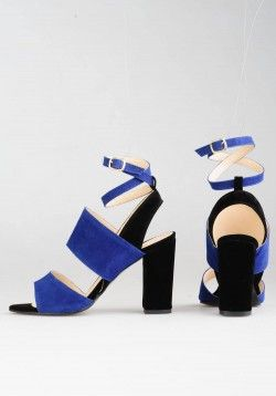 Siyah Saks  Mavi Süet Sandalet   ı #moda #modavapuru #fashion #style #stil #chic #heels #shoes #ayakkabi #shoelovers #highheels #womensfashion #sandals #sandal #sandalet #stiletto #black #siyah #casual #ootd #topukluayakkabı #topukluayakkabi #mavi #naive