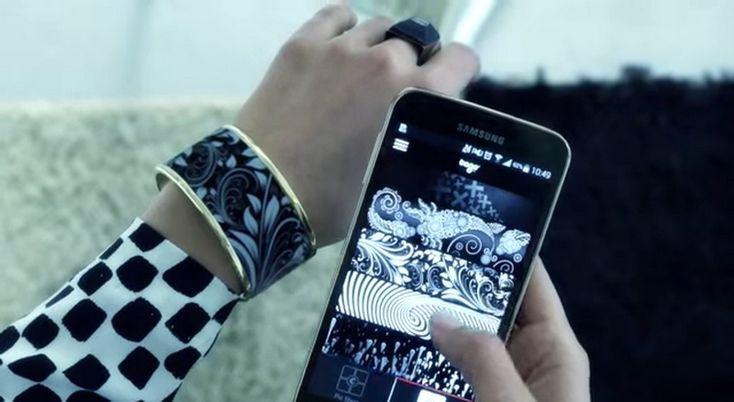 Náramek Tago – šperk řízený smartphonem