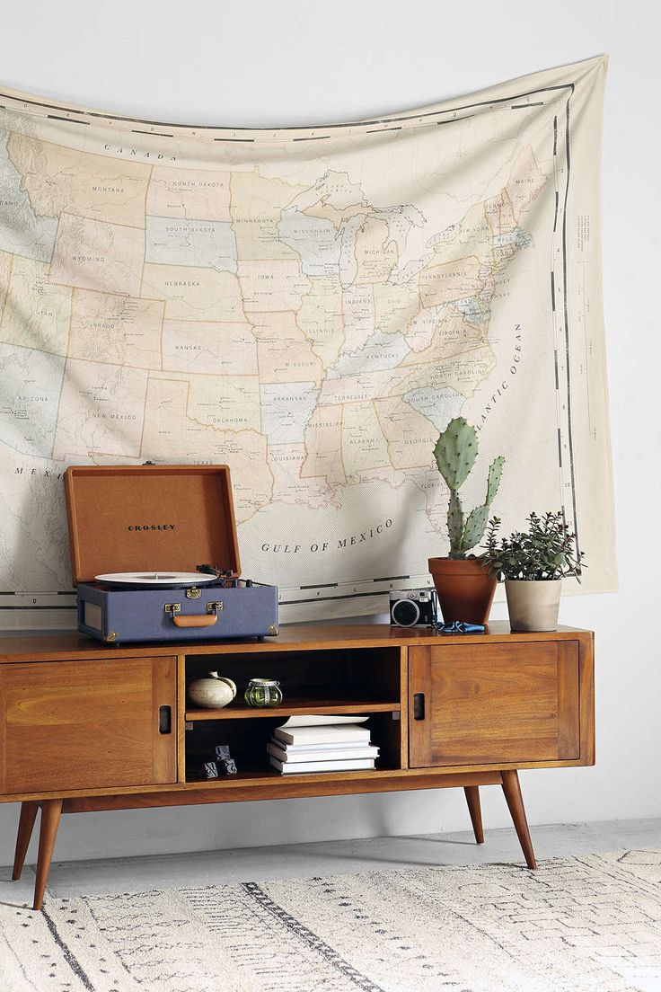 4040 Locust Vintage Map Tapestry (mostly for the table idea)