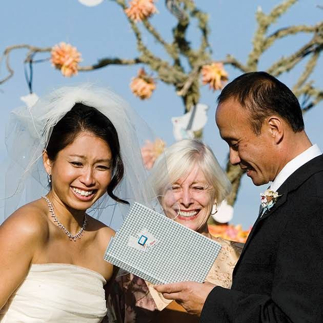 A Quick Guide To Writing Your Own Wedding Vows