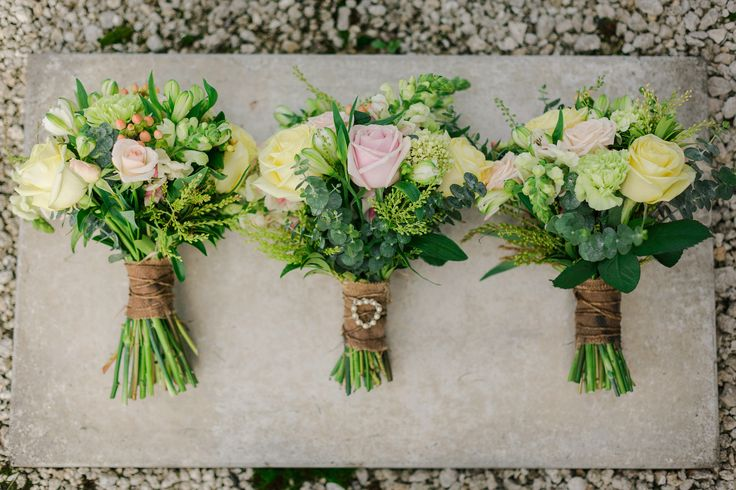 Soft pastel vintage/rustic style wedding bouquets for bride and bridesmaids. Made by the amazing Jenn at Zinnia Floral Design, Havelock North, New Zealand (http://www.zinnia.co.nz/).