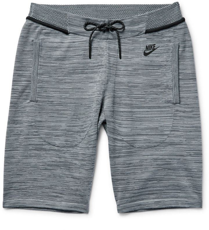 Nike 's shorts are made from the brand's innovative tech-knit fabric to ensure all-day comfort. Spun from cotton-blend yarns, this pair has a cosy feel and is fitted with an adjustable waistband for a flexible fit. The mid-length silhouette makes them equally suitable for the gym or relaxing at home. Fits true to size. Take your normal size Straight-leg, mid-rise style These shorts are adjustable at the waist Tonal-grey tech-knit cotton-blend Drawstring waistband, two front welt pockets…