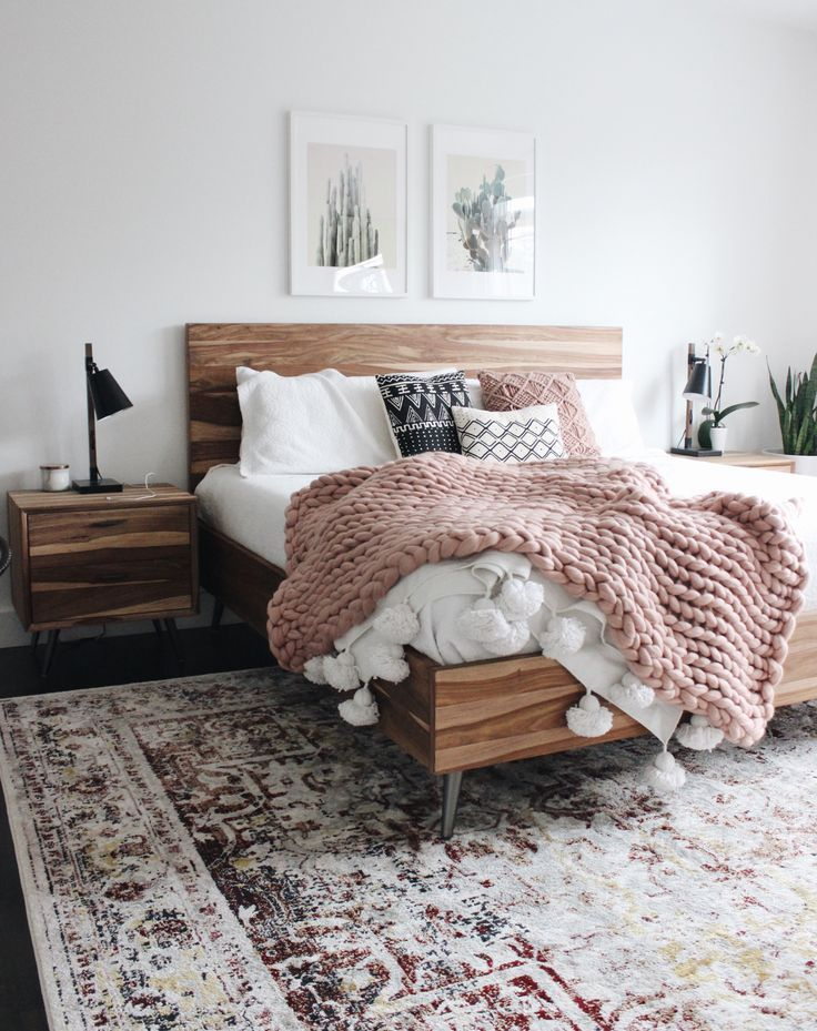 Modern Boho Bedroom With White Walls And Chunky Blanket Modern Boho Scandinavian Nordic Hygge M Vintage Bedroom Decor White Wall Bedroom Bedroom Interior