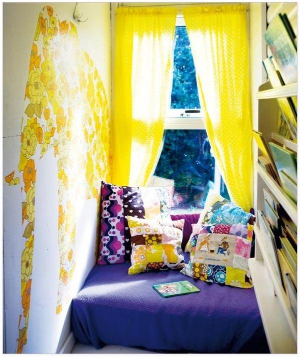 Elegant Leseecke Kinderzimmer gestalten fenster gelbe gardinen wanddeko