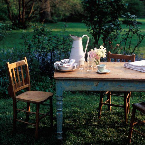 : Gardens Ideas, Teas Time, Rustic Gardens, Rustic Tables, Gardens Furniture, Gardens Dining, Outdoor Tables, Farmhouse Tables, Farms Tables
