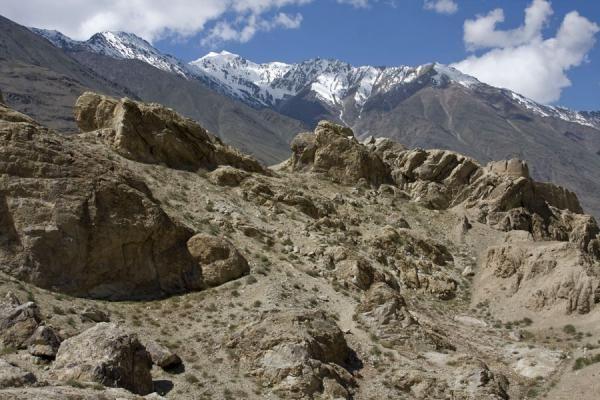 Picture of Khakha Fortress (Tajikistan): Hindu Kush mountains towering over Khakha fortress