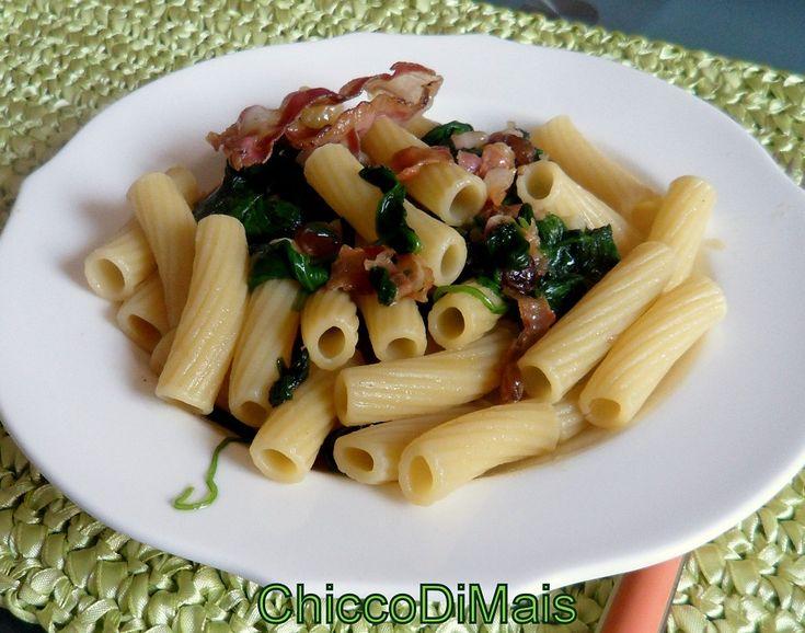 pasta con spinacino e pancetta  http://blog.giallozafferano.it/ilchiccodimais/pasta-con-spinacino-e-pancetta/