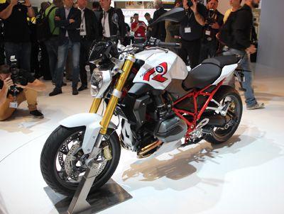 http://moto.caradisiac.com/En-direct-d-Intermot-BMW-R1200-R-099