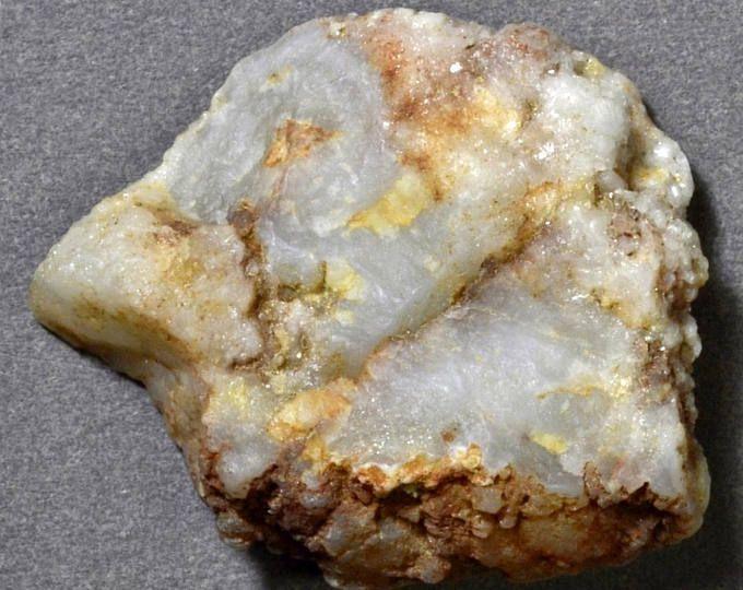 Burin Artifact, Paleo Bird Head Graver, Small Quartz Geode Flake Tool 3997