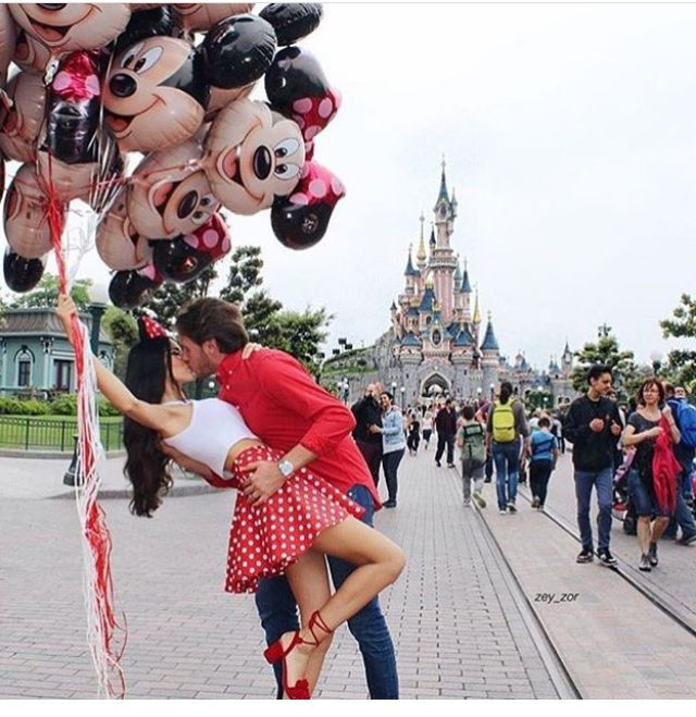 Love | Disney land | Mickey mouse Mini mouse | Kiss | couple | relationship goal | fun | cute | boyfriend girlfriend | fashion | travel | holiday