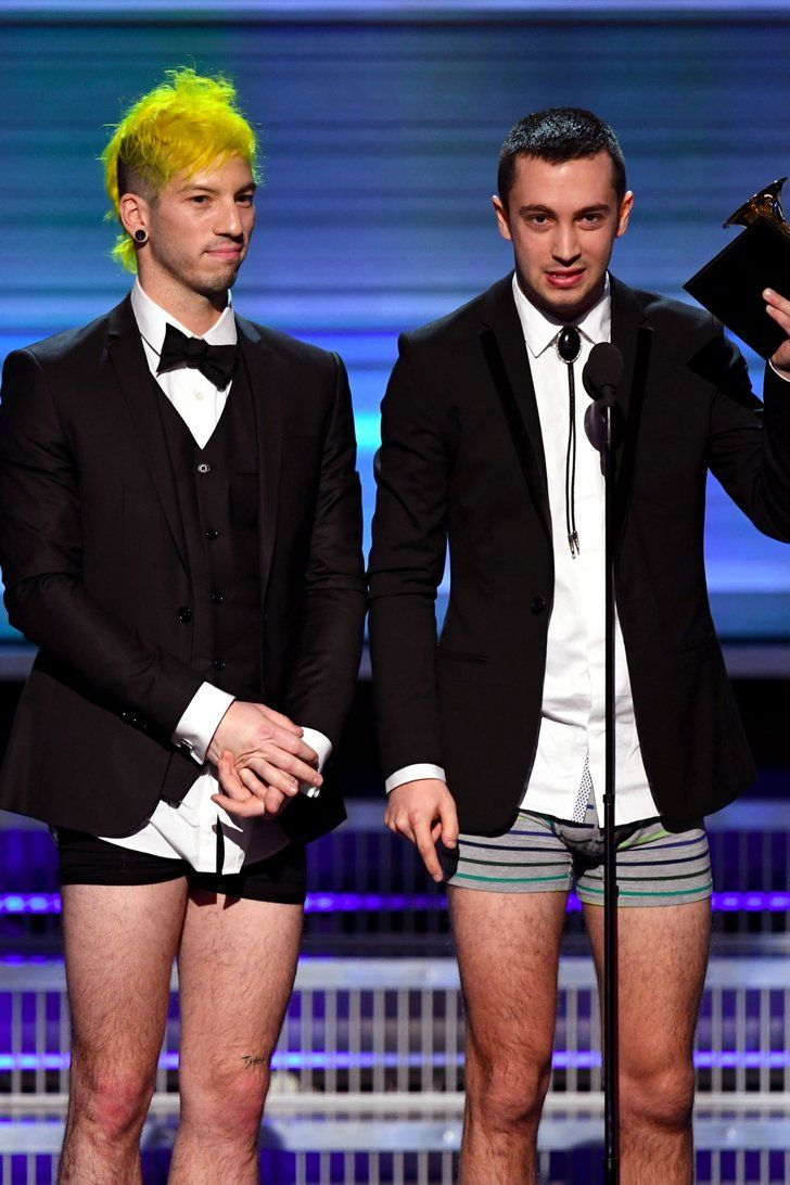 The Story Behind Twenty One Pilots's Pantless Acceptance Speech Is Actually Adorable