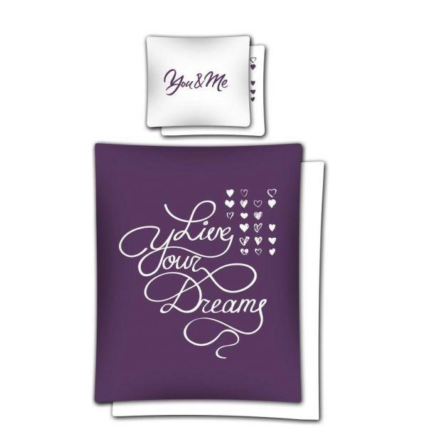 Fialové romantické posteľné obliečky s bielym nápisom