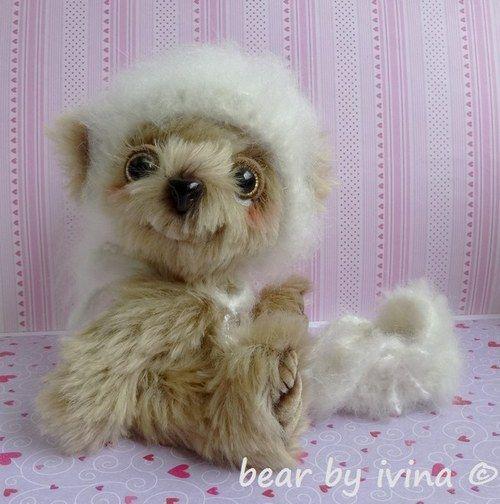 mrkací medvídek Oříšek s miminem:-)