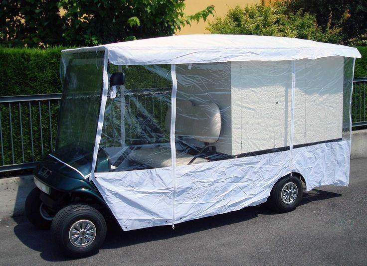 I golf cars si possono guidare anche se piove o c'è forte vento, i teli protettivi con ganci e doppie cerniere sono fatti per essere utilizzati in movimento. Certo se splende il sole è meglio, ma se un giorno il tempo vuole rigenerarsi, nessuna difficoltà, due minuti ed il nostro golf car è sempre pronto per portarci dove desideriamo...