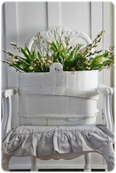 .love the wood painted white~so pretty