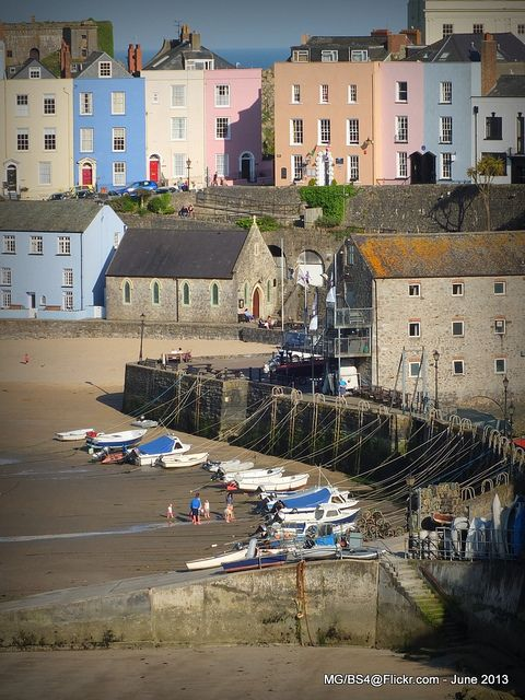 ~ Tenby Harbour ~ low tide ~ can't get enough ~ it's the heart of Tenby ~