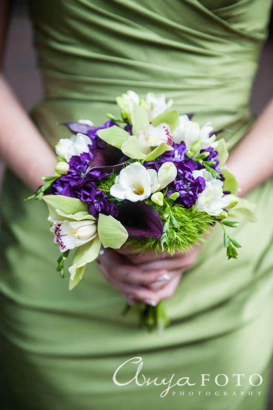 anyafoto.com, wedding bouquet, bridal bouquet, garden bouquet, purple bouquet, green bouquet, spring bouquet, green bridesmaid dress