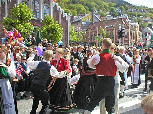 norwegian dating traditions The norwegian online dating scene reminds me a lot of the scene in finland and denmarkthere are a couple of dating sites that dominate the market in terms of membership numbers.