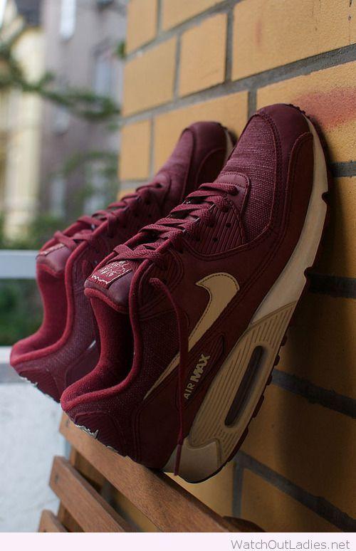 Burgundy Nike Air Max design
