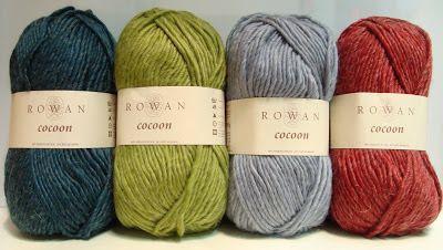 Garen. 100% Wol. Rowan Cocoon is de draad voor koude en ijzige dagen. Ondanks de relatief grote omvang van het garen is het zacht, springend en erg vleiend. Truien en jassen van Cocoon, met of zonder patroon, zijn altijd een genot. En natuurlijk is dit garen is ook prachtig voor accessoires.  Verkrijgbaar in 11 kleuren. Cocoon 004.jpg