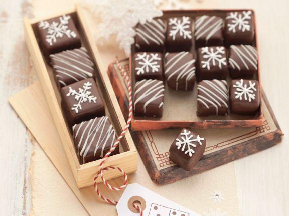 Dominosteine ist ein Rezept mit frischen Zutaten aus der Kategorie Lebkuchenteig. Probieren Sie dieses und weitere Rezepte von EAT SMARTER!