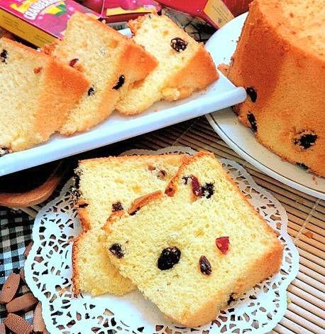 Chiffon Cake Vanilla with Kismis+Cranberry,my comfort cake! ;)