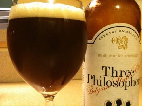 """Tomada de la página de Facebook Sofía (sociedad de filosofía aplicada)   Cerveza negra """"Three Philosophers"""" de la empresa belga Ommegang . porque seguro que la cerveza le gusta a más de tres filósofos.    http://www.wellsphere.com/vegetarian-article/belgian-vegan-sweet/519883"""