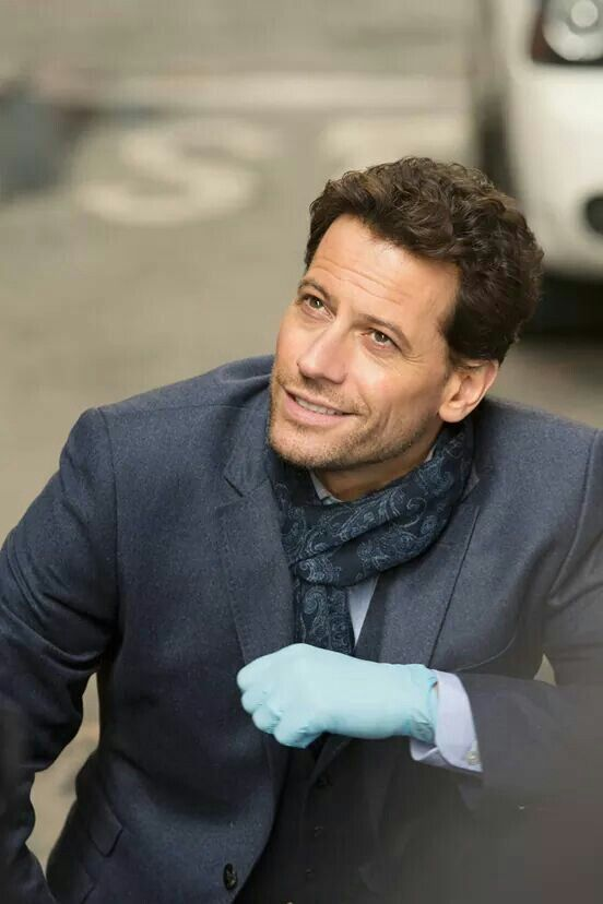 Ioan Gruffud or in other words the most attractive guy